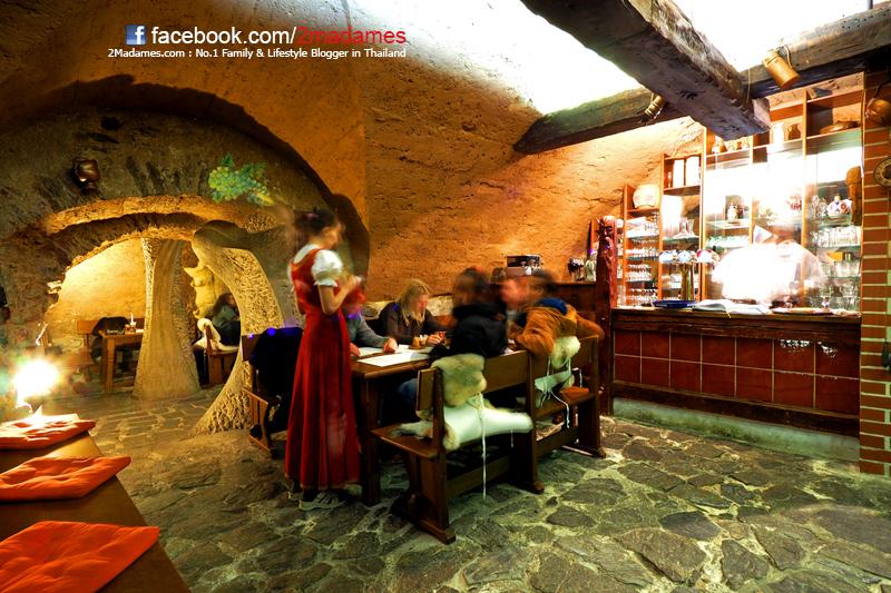 ร้านอาหารในถ้ำ