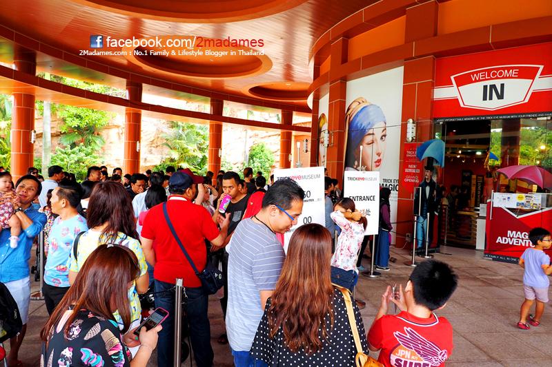 เที่ยวสิงคโปร์ด้วยตัวเอง, Resorts World Sentosa, Universal Studios Singapore, Adventure Cove Waterpark, S.E.A. Aquarium, เที่ยวสวนสนุก, รีวิว, pantip, การใช้อินเตอร์เนตในสิงคโปร์ Starhub, Ya Kun Kaya Toast, Vivo City, Hard Rock Hotel, Feng Shui Inn, เซนโตซ่า, วิธีเข้าเมืองจากสนามบิน Changi Airport, พาลูกเที่ยว Singapore, Gong Cha