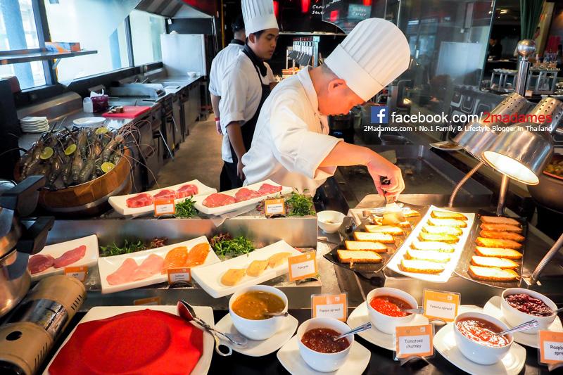 Sunday Brunch,ห้องอาหารเดอะสแควร์,The Square,โรงแรมโนโวเทล สยามสแควร์,Novotel Siam Square,ซันเดย์บรั๊น,รีวิว,ราคา,เมนู,pantip,โปรโมชั่น,ส่วนลด,Joy Flower de Bangkok