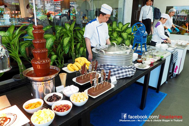 ซันเดย์บรันซ์,Sunday Brunch,บุฟเฟ่ต์นานาชาติ,Buffet,Feast,Royal Orchid Sheraton,ราคา,เบอร์โทร,รีวิว,pantip,เมนู,Wongnai