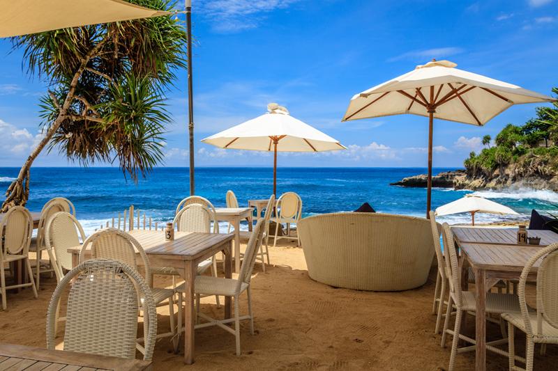 คาเฟ่ริมทะเล,เที่ยวบางแสน,pantip,White House Beach Café,Austin Café,Artory Café,Seafood club Bangsean,Hideout Beach Café & Bistro,รีวิว